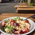 Wieso Tischtennisspieler Salat essen sollten – Tischtennis und Ernährung